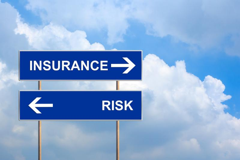 Low interest rates squeeze income, raise insolvency risk for re/insurers